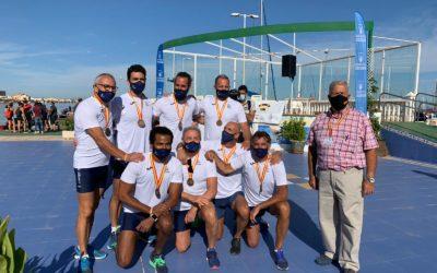 El Real Club de Regatas de Alicante se proclama campeón de España de llaüt en categorías cadete y veteranos y logra el subcampeonato juvenil masculino y femenino